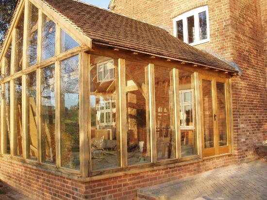 верандные окна для дачи деревянные